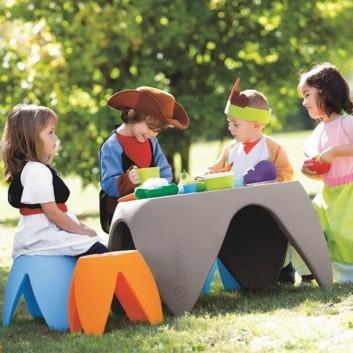 Table pour enfant, mobilier enfant extérieur
