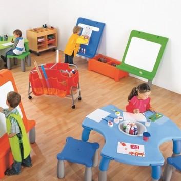 Table et siège caméléon 6 enfants, équipement pour l'accueil des enfants par les CHR
