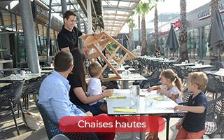 Chaise haute pour les enfants dans les restaurants